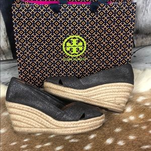 Tory Burch Silver Metallic Spadrille/Wedges Sz 7.5